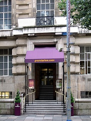 Premier Inn County Hall London